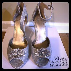 Badgley Mischka Belle Silver Wedges!